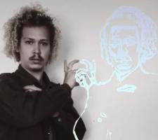 Aquila de Almeida, Contato Ancestral, vídeo Performance.